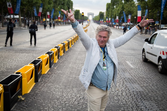 Regenachtige Tour de France aan de Champs-Élysées 2015